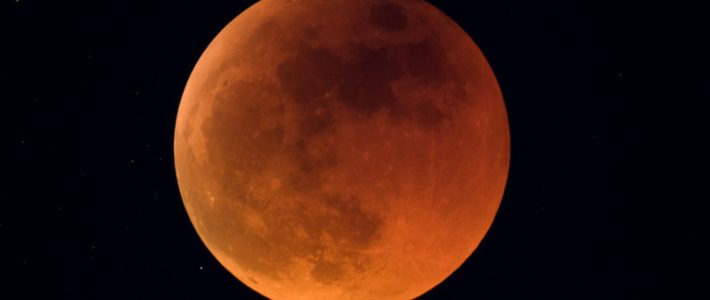Popolni lunin mrk